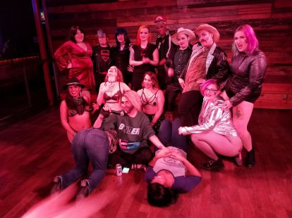 Menage-a-Tease cast and crew