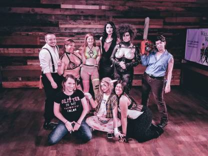 Tease in the Woods cast and crew